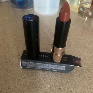 New in Box. Lipstick 💄. Never used.